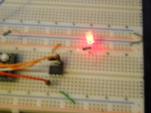 ATtiny85 programmed with ArduinoIDE - Blinky Sketch